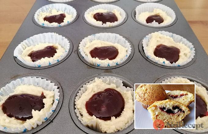 Recept Výborná rychlovka z hrnečku - tvarohové muffiny s povidly