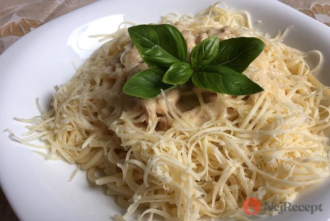 Recept Špagety s kuřecím masem ve smetanové omáčce