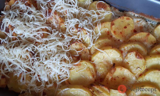 Recept Vynikající zapékané brambory se sýrem