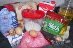 Příprava receptu Kynutý makový a ořechový závin, krok 1