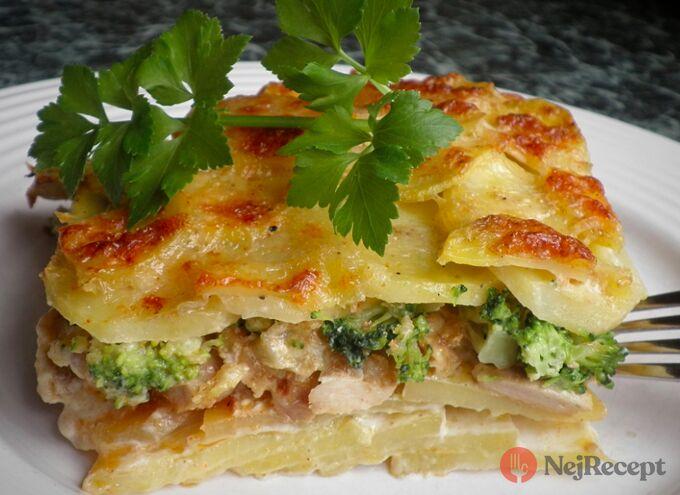 Recept Zapečené brambory se smetanou, brokolicí a kuřecím masem