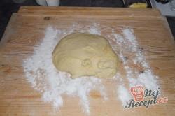 Příprava receptu Kynutý makový a ořechový závin, krok 8