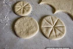 Příprava receptu Kynuté sluníčka se šunkou a sýrem, krok 1