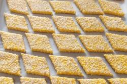 Příprava receptu Křupavé domácí ,,čedar,, krekry, krok 4