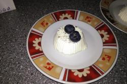 Příprava receptu Panna cotta s borůvkovým přelivem, krok 1