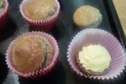 Příprava receptu Muffinky plněné vanilkovým krémem, krok 10