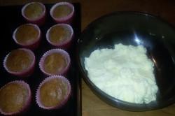 Příprava receptu Muffinky plněné vanilkovým krémem, krok 8