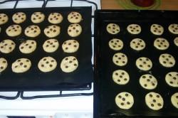 Příprava receptu Jednoduché cookies s čokoládou, krok 6