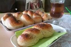 Příprava receptu Domácí pletýnky posypané mákem, krok 10