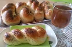 Příprava receptu Domácí pletýnky posypané mákem, krok 11