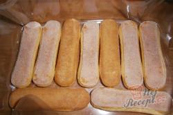 Příprava receptu Nepečené jablečné řezy s piškoty, krok 3