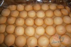 Příprava receptu Nepečené jablečné řezy s piškoty, krok 5
