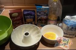 Příprava receptu Jednoduchá piškotová bábovka, krok 1