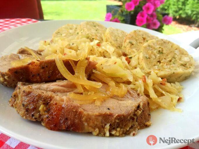 Recept Pomalu pečená krkovička, čerstvé zelí a rakouský knedlík