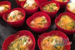Příprava receptu Vajíčkové snídaňové muffinky, krok 2