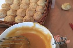 Příprava receptu MINI větrníky s poctivou karamelovou polevou, krok 2