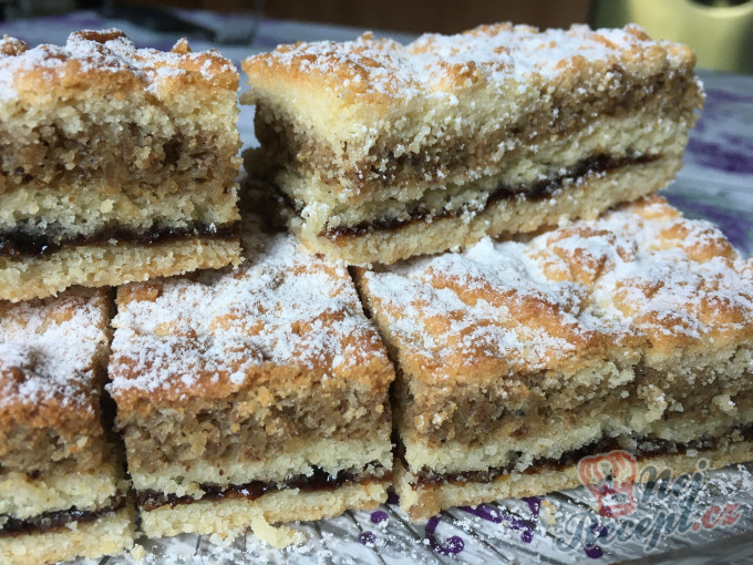 Recept Vynikající vánoční koláč - Katarína řezy.