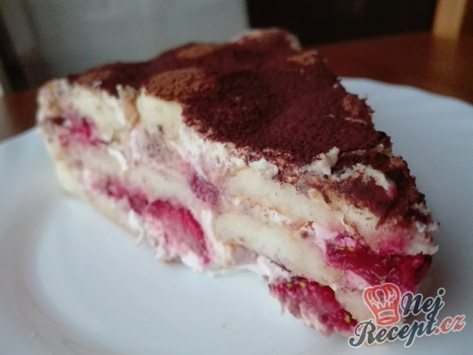 Recept Nepečený piškotový dort s ovocem