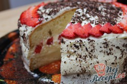 Příprava receptu Neodolatelný dortík s vanilkovým krémem a jahodami, krok 6