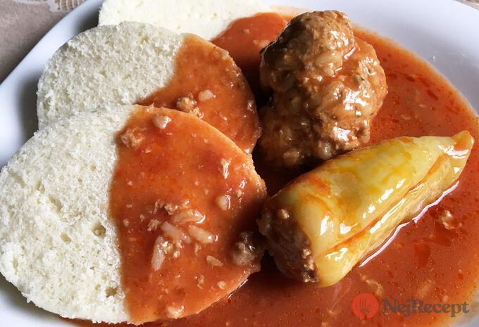 Recept Tradiční, chuťově nepřekonatelná plněná paprika v rajčatové omáčce