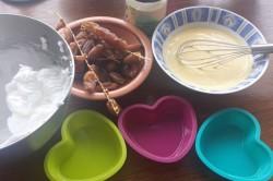 Příprava receptu Datlový koláček bez cukru a mouky, krok 2