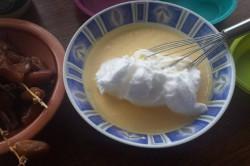 Příprava receptu Datlový koláček bez cukru a mouky, krok 3