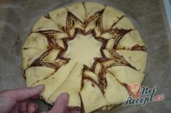 Příprava receptu Vánoční hvězda s nutelou FOTOPOSTUP, krok 6