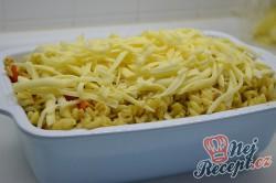Příprava receptu Zapečené těstoviny s tuňákem, pestem a rajčaty, krok 4