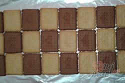 Příprava receptu Střecha z BeBe sušenek, krok 2