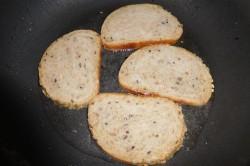 Příprava receptu Krekry ze slunečnicového vitachlebíku, krok 2