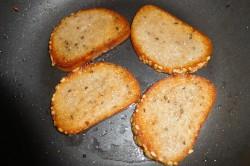 Příprava receptu Krekry ze slunečnicového vitachlebíku, krok 3