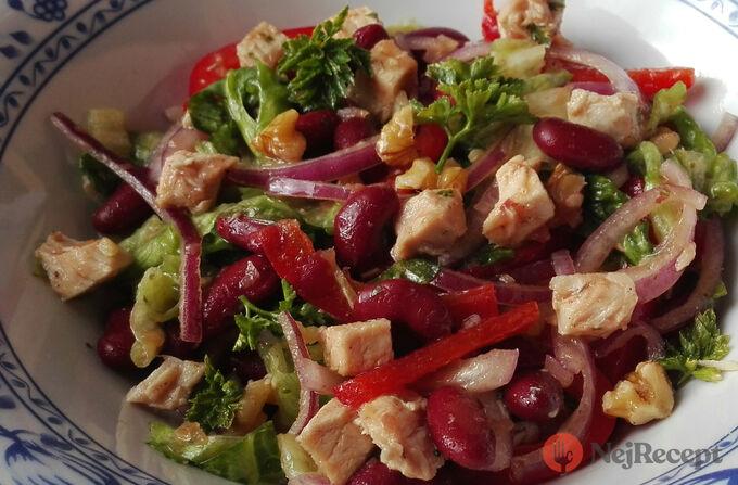Recept Lahodný salát s fazolemi