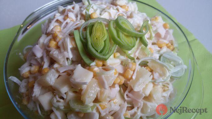 Recept Celerový salát s ananasem a pórkem