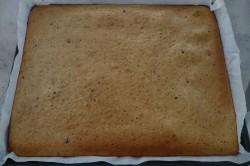 Příprava receptu Margot řezy s broskvemi a krémem, krok 2