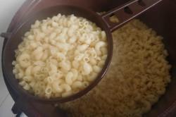 Příprava receptu Zapékané těstoviny s uzeným masem, krok 1