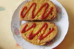 Příprava receptu Chleba ve vajíčku se salátem, krok 4
