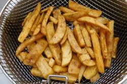 Příprava receptu Smažené rybí prsty a hranolky, krok 2