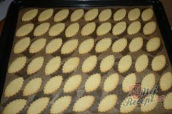 Příprava receptu Oválky s karamelovým krémem, krok 1