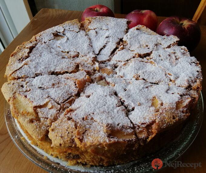 Recept Jablečný skvost ze 4 surovin, který rozvoní dům za půl hodinu