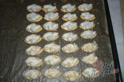 Příprava receptu Oválky s karamelovým krémem, krok 8