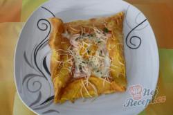 Příprava receptu Bretaňské galettes plněné vejcem, šunkou a sýrem, krok 2