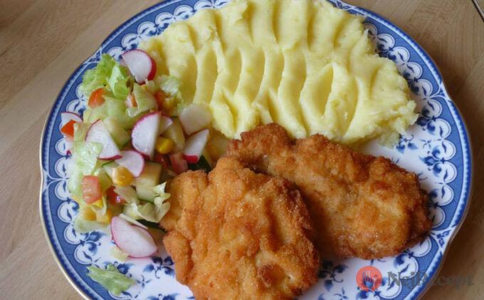 Recept Smažené kuřecí řízky v sýrovém těstíčku