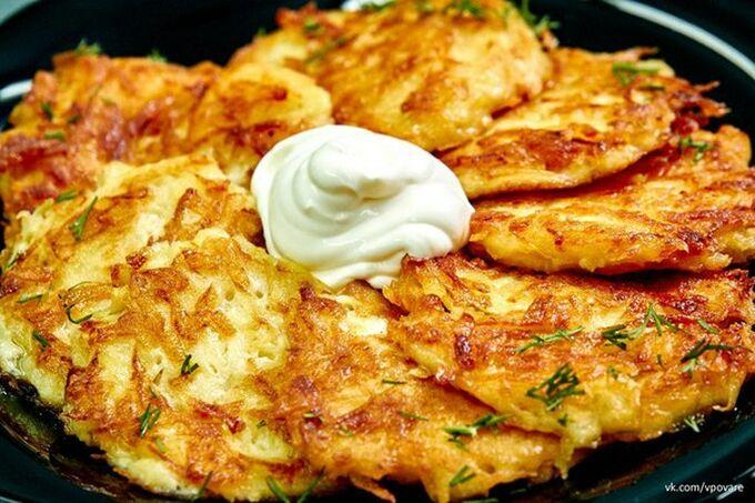 Recept Fantastické bramborové placky se zakysanou smetanou