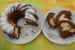 Příprava receptu Kakaová bábovka s tvarohem, krok 9
