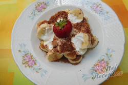Příprava receptu Banánová pochoutka se zakysanou smetanou, krok 3