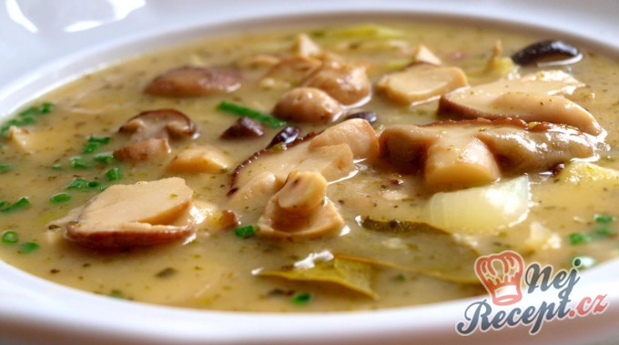 Recept Houbová bramboračka (tradiční)