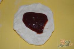 Příprava receptu Kynuté povidlové knedlíky s vanilkovou omáčkou, krok 3