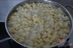 Příprava receptu Smetanový vepřový perkelt se špeclemi, krok 5