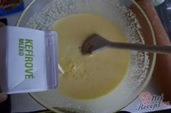 Příprava receptu Kefírová děrovaná buchta s kokosem, krok 2