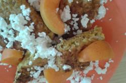 Příprava receptu Ovesné lívanečky s meruňkami a tvarohem, krok 1